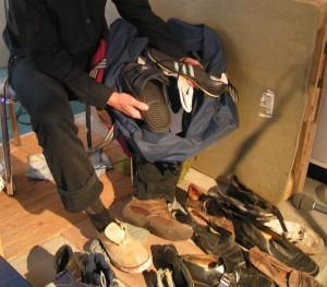 viele Schuhe für unterschiedlich klingende Schritte